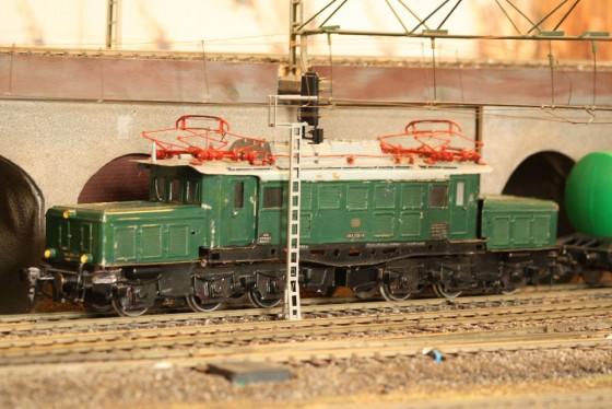 E-Lok BR 194  Spur 1 Hamburg