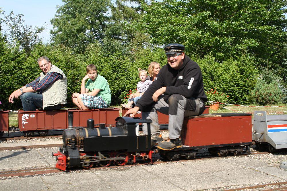 Gartenbahn des Dampf-Bahn-Club Holstein in Schackendorf