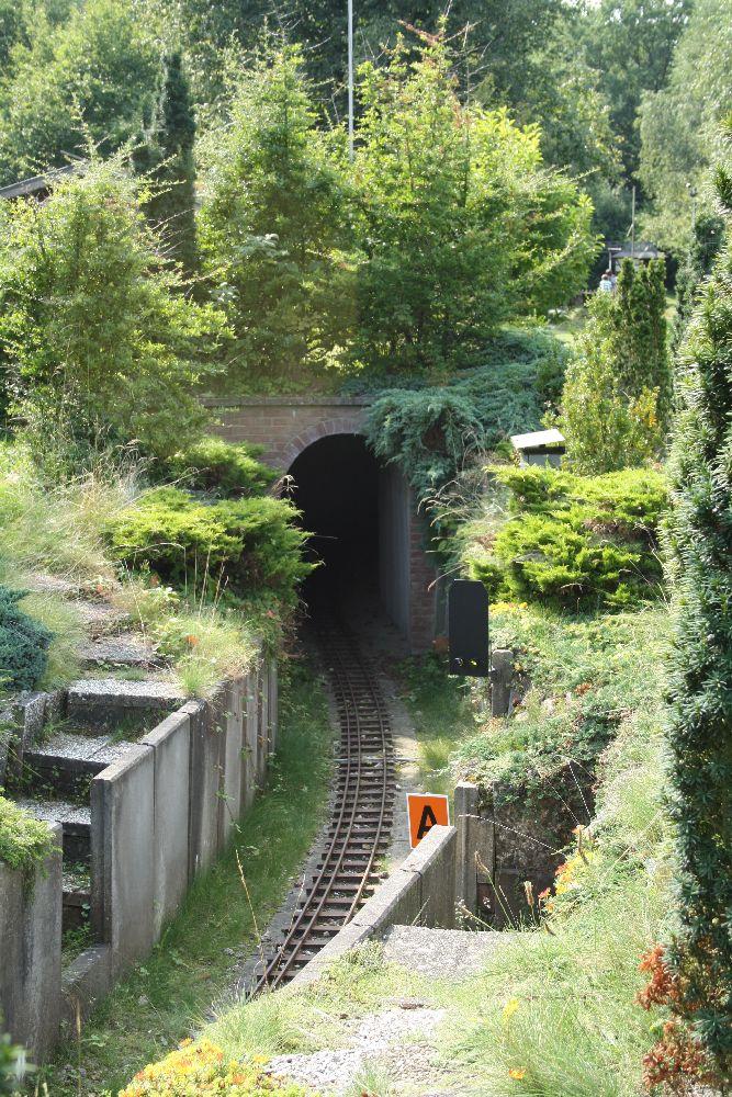 Tunnel Gartenbahn des Dampf-Bahn-Club Holstein in Schackendorf