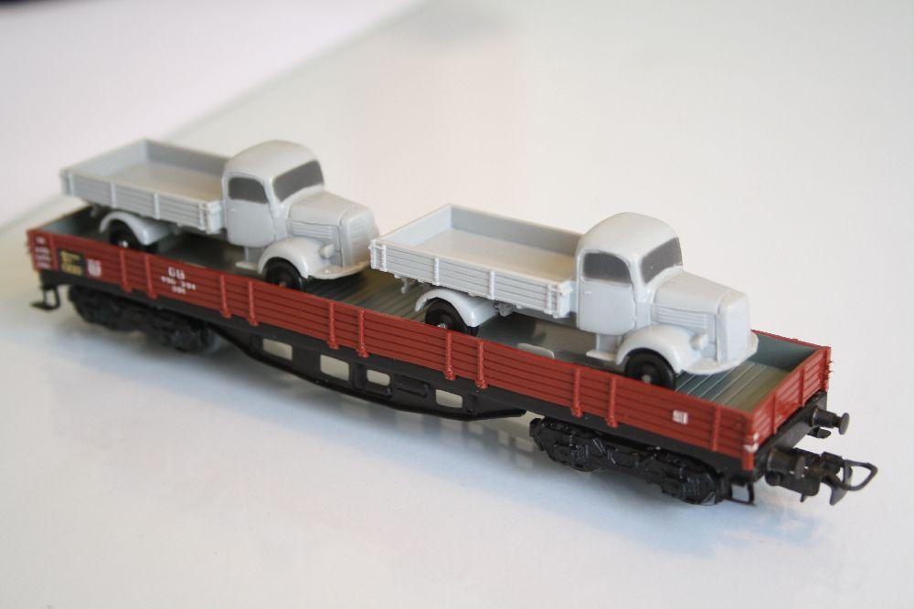 Märklin 4515 Niederbordwagen mit LKW