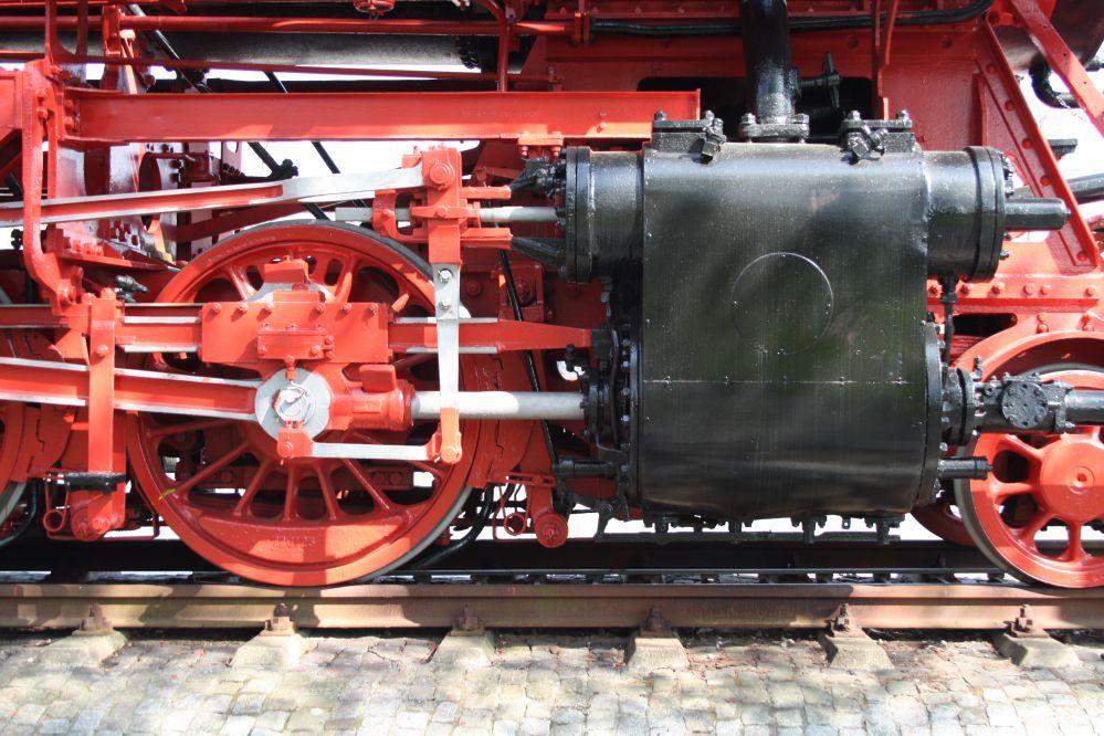 Dampflok BR 043 903-4 Zylinder